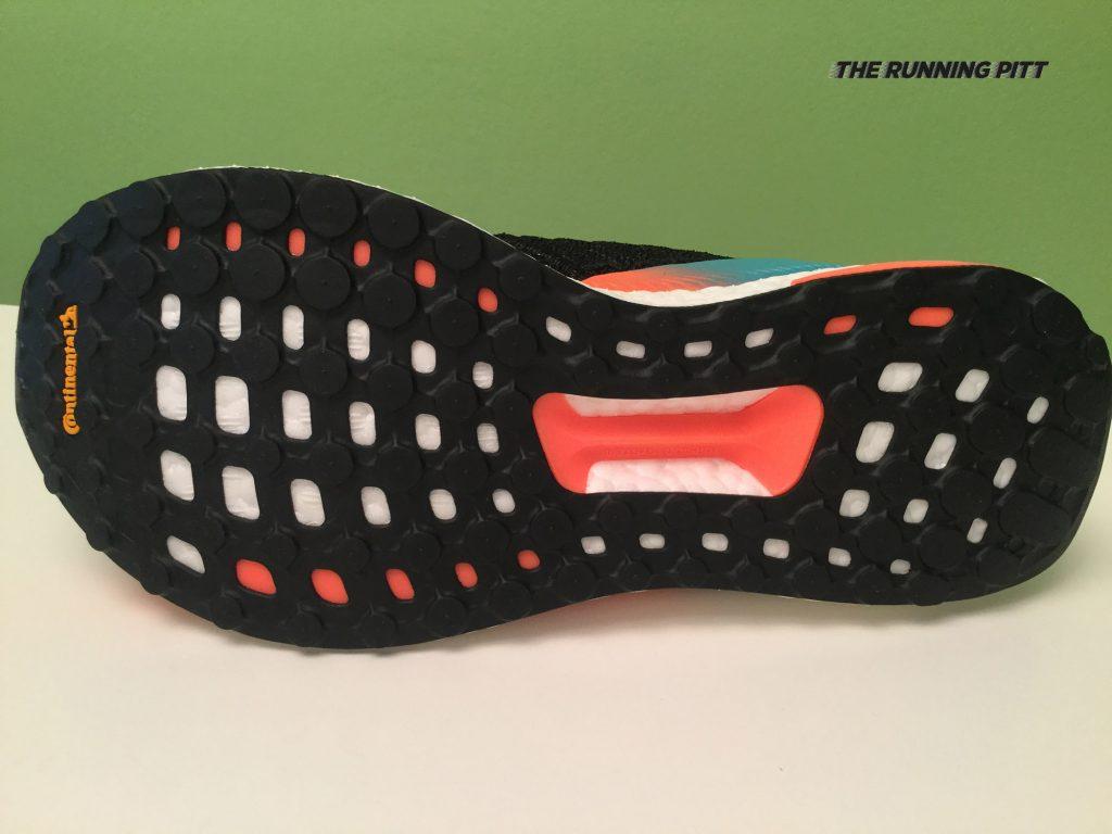 La suola della Adidas Solar Boost