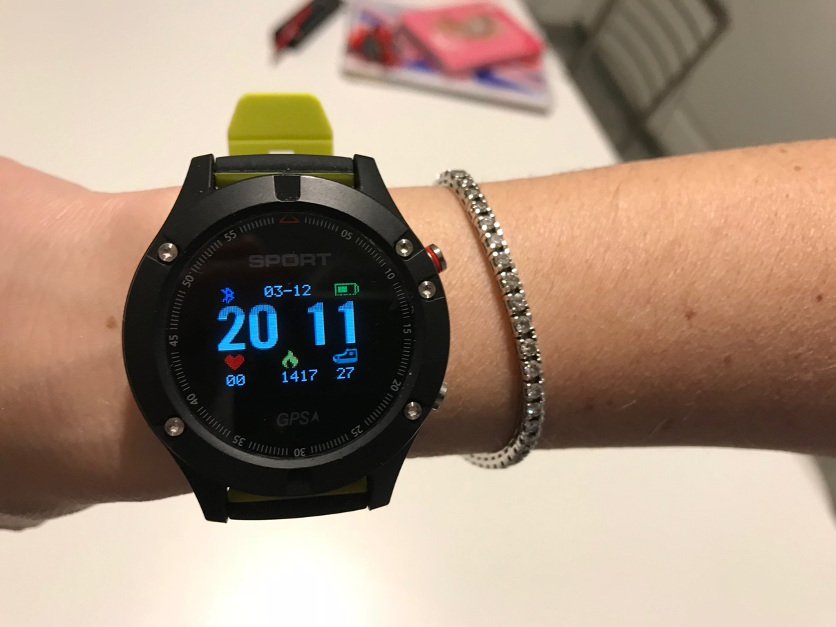 No 1 F5 low cost Smartwatch, in depth review - The Running Pitt