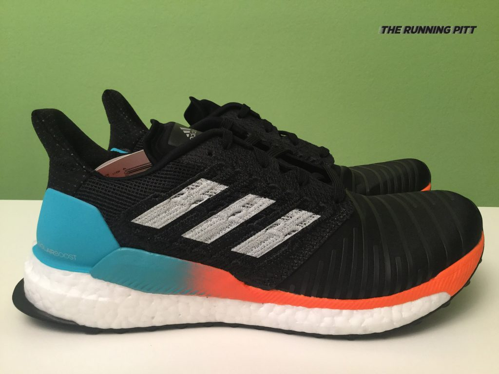 Scarpa neutra Adidas Solar Boost